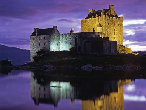 سويزرلاند Eilean-Donan-Castle.